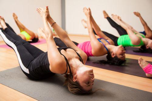 5 ejercicios cardiovasculares claves para estirar tu cuerpo
