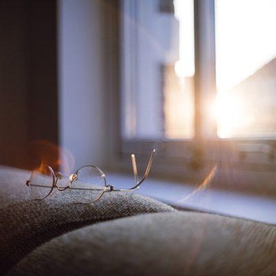 Los beneficios de tomar el sol con moderación para la salud